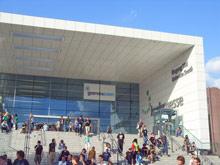 Центральный вход выставочного центра Koelnmesse, в котором проходила выставка gamescom