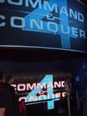 Чтобы увидеть C&C4 обычные посетители выставки часми должны были стоять в очередях