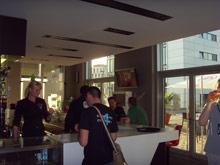 EA Cropt Bar в день финала оккупировали поклонники C&C